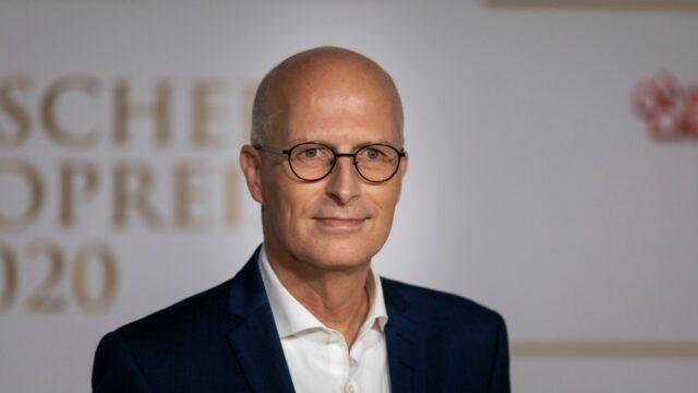 Hamburgs Erster Bürgermeister Peter Tschentscher bei der Verleihung des Deutschen Radiopreises in Hamburg.