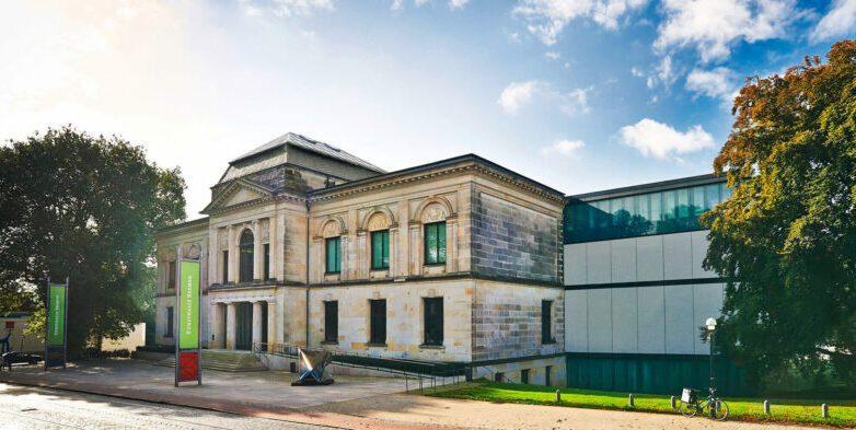 Fotografie der Kunsthalle Bremen von außen.